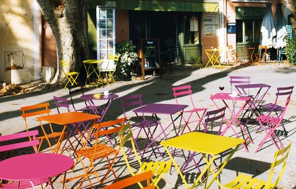 Les chaises Fermob colorées