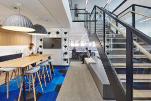 cuisine bureau amenager kollori am nagement des bureaux. Black Bedroom Furniture Sets. Home Design Ideas