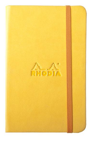 Un carnet de poche jaune