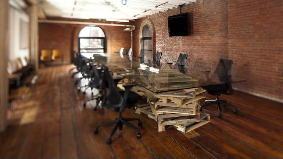 bureau en bois récupéré