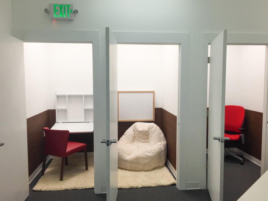 les 10 tendances des bureaux conna tre pour 2016. Black Bedroom Furniture Sets. Home Design Ideas