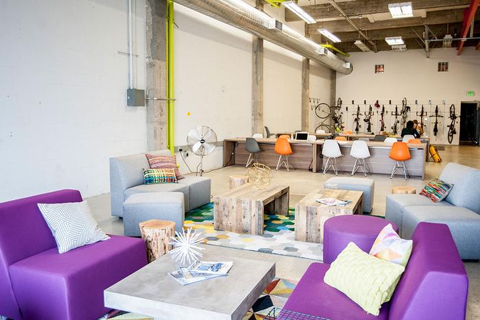 Blanc de meubles de bureau exécutif en bois solide couleur