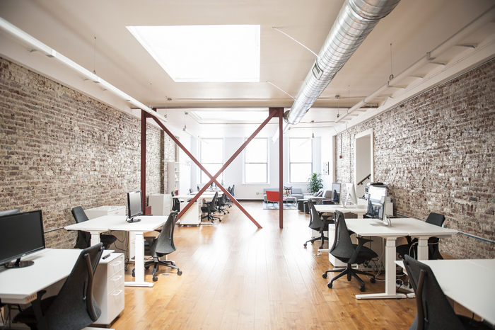 Quels bureaux choisir pour aménager son open space ?