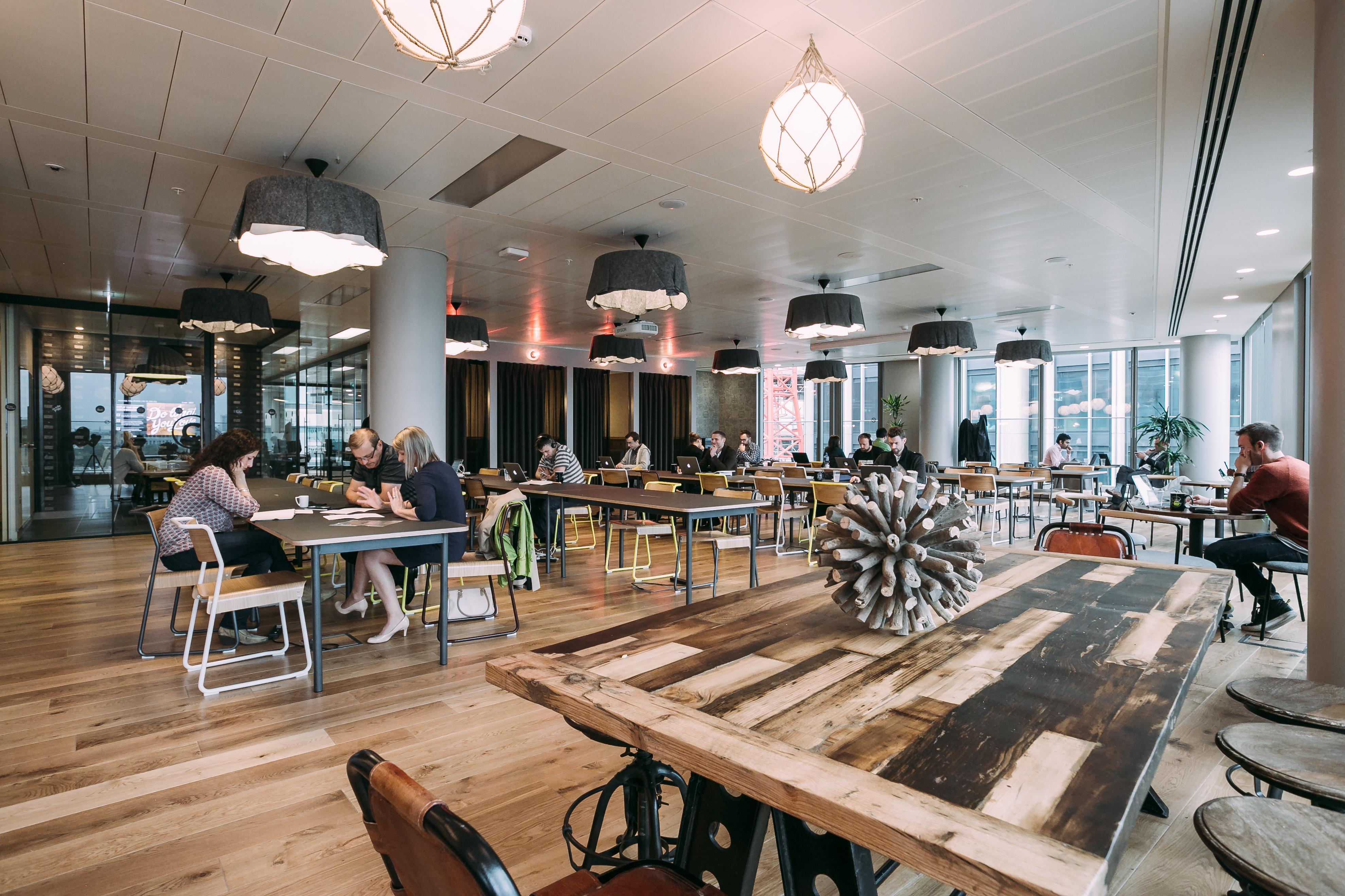 Bureau Informatique Petit Espace corpoworking : aménager un espace de coworking dans ses bureaux