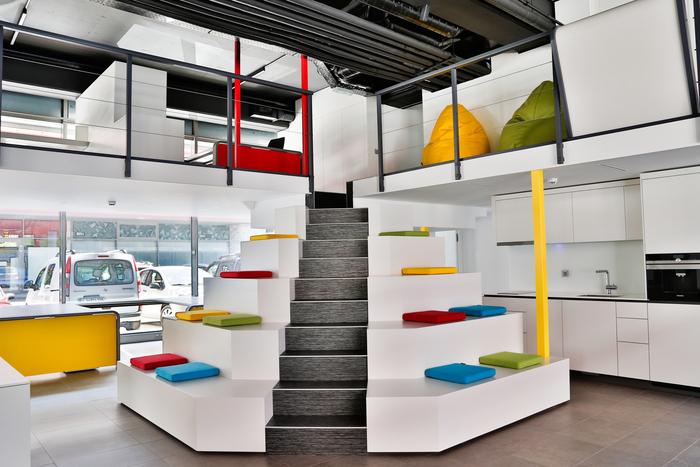 comment am nager un espace de coworking dans ses bureaux. Black Bedroom Furniture Sets. Home Design Ideas